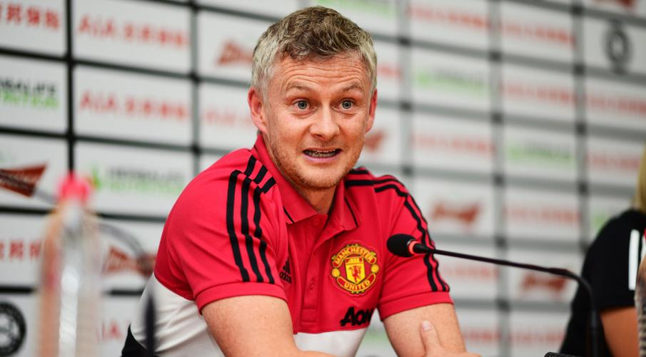 Solskjaer says only 'minority' of United fans want Pogba out